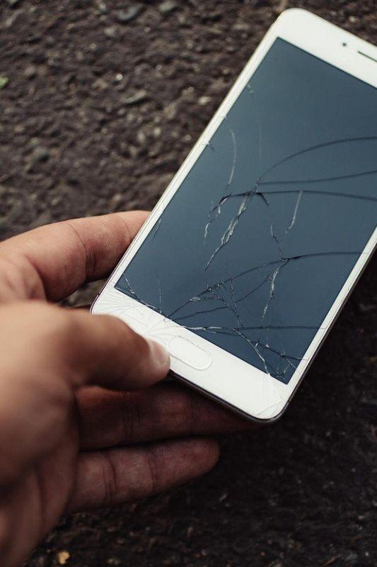 4 boleča spoznanja, ko se pokvari mobilni telefon
