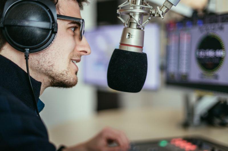 4 navdušujoči podcasti za osebno rast