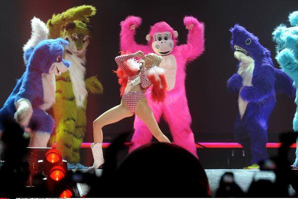 6 kontroverznih nastopov, ki jih glasbena zgodovina ne bo pozabila