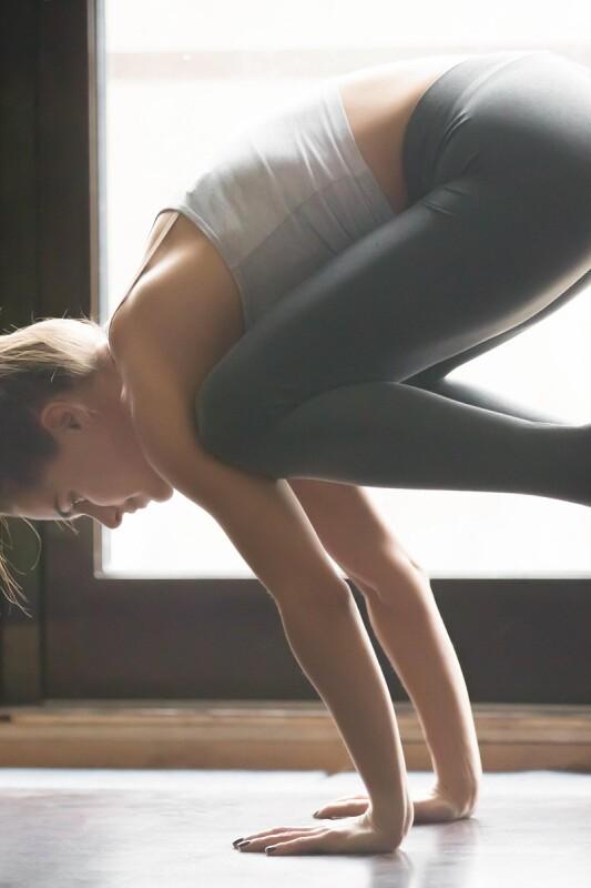 Izziv domačega fitnesa in joge sprejet: 4 vadbe na preizkusu