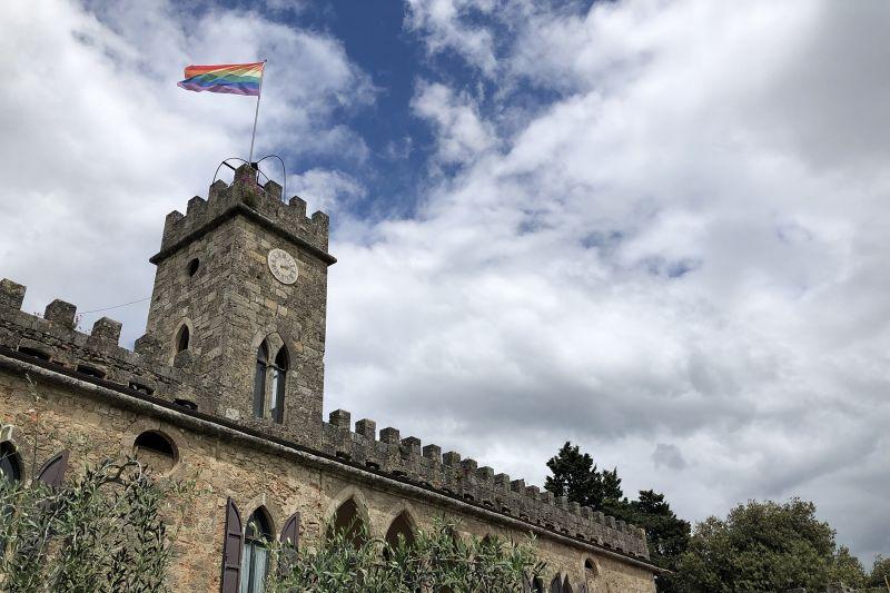 Kaj pa, če bi počitnice preživeli kar v najlepšem gradu sredi Toskane?