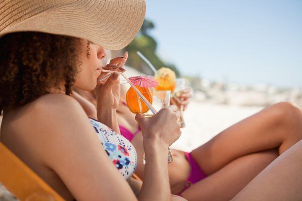 Kaj vaš najljubši poletni koktajl razkriva o vas