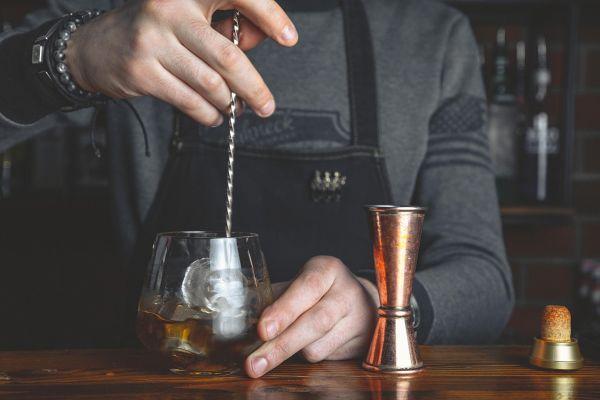 Kultni in razvpiti: 5 koktajlov, ki jih morate poznati