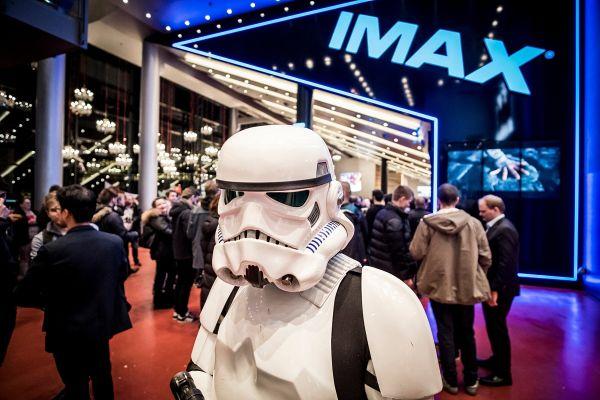 Navdušujoče inovacije, s katerimi nas želijo privabiti nazaj v kino dvorane