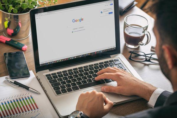 Odgovorili smo na 18 najbolj čudaških vprašanj, postavljenih Googlu