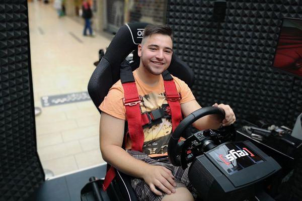 Po prvem mesecu prvenstva [reys] je slavil Miha Kumar, simulator pa turnejo nadaljuje v Kopru