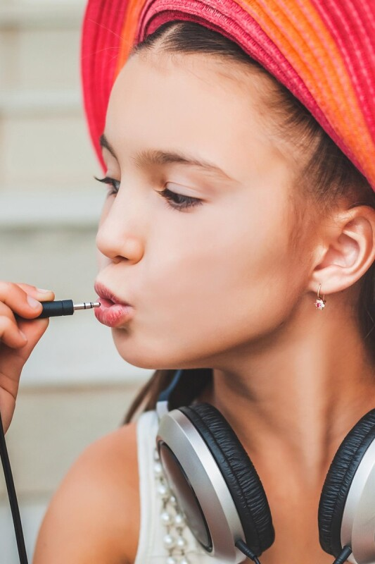 Pomirjajoče melodije za radožive otroke