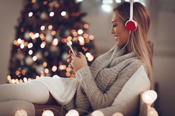S čim lahko še pred koncem leta razveselite glasboljubca