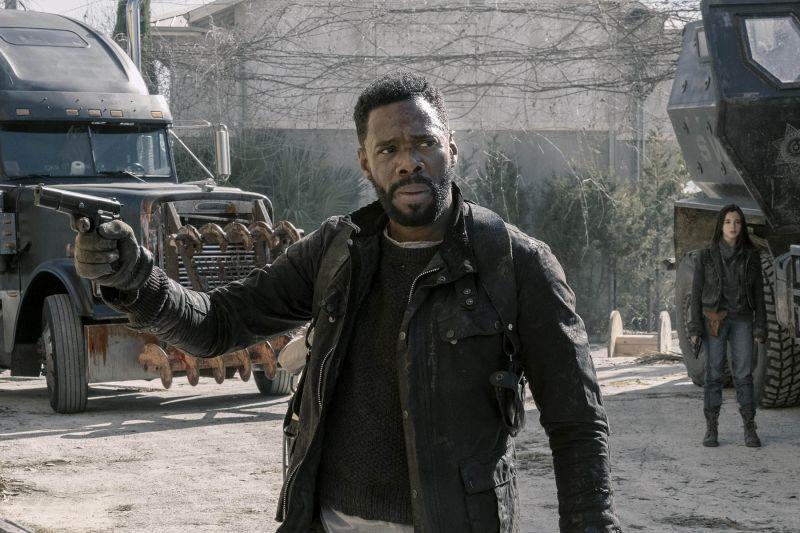V peti sezoni serija Bojte se živih mrtvecev reši samo sebe