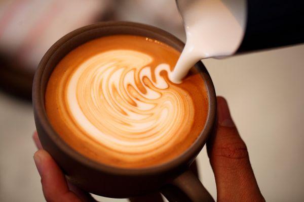 Zakaj si tako veliko ljudi ne predstavlja življenja brez kave